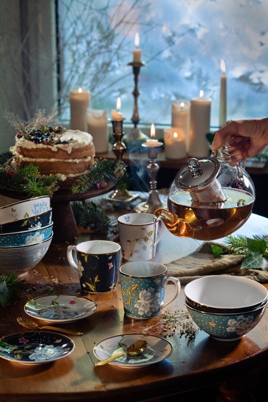 photo art de la table autour du thé à Noël