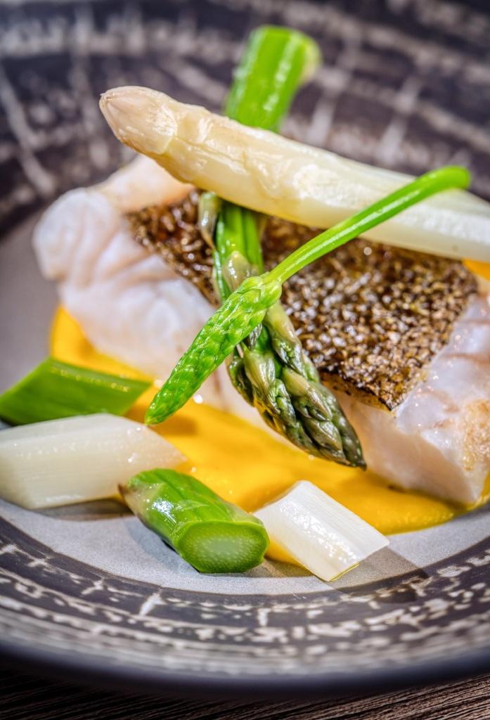 photo culinaire, asperge et poisson
