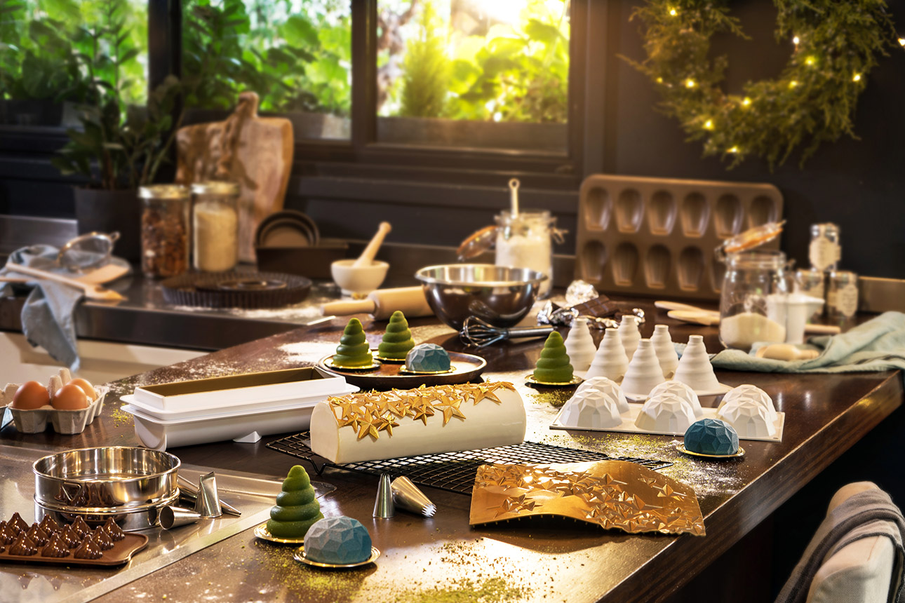 photo culinaire préparation en cuisine : buche de Noël et chocolat