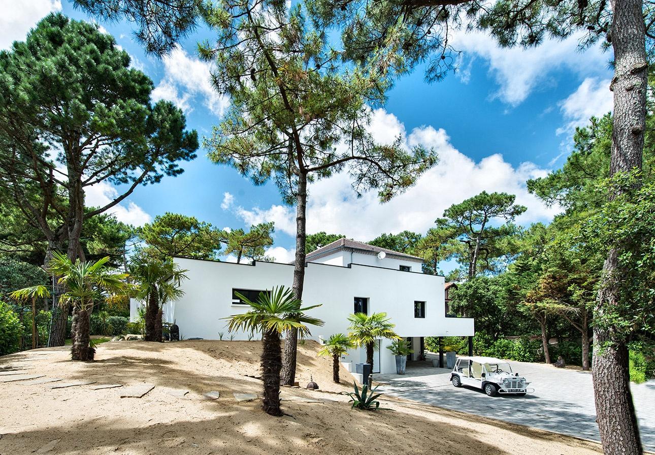 Photo extérieure d'une maison contemporaine ultra moderne