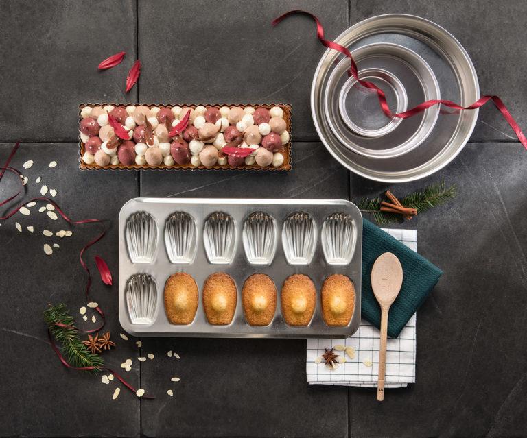 photo art de la table en pâtisserie