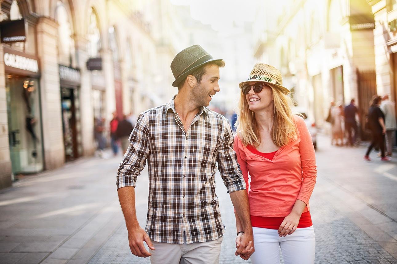 photo lifestyle d'un couple en ville à Nantes