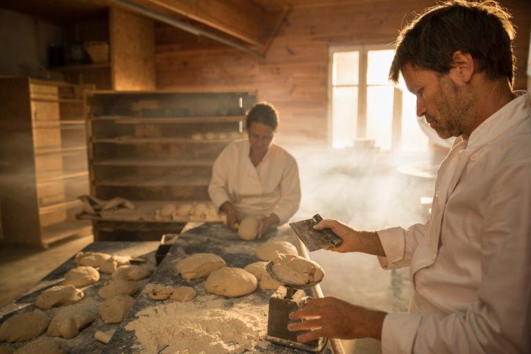 Reportage métiers, les boulangers pétrissent la pâte