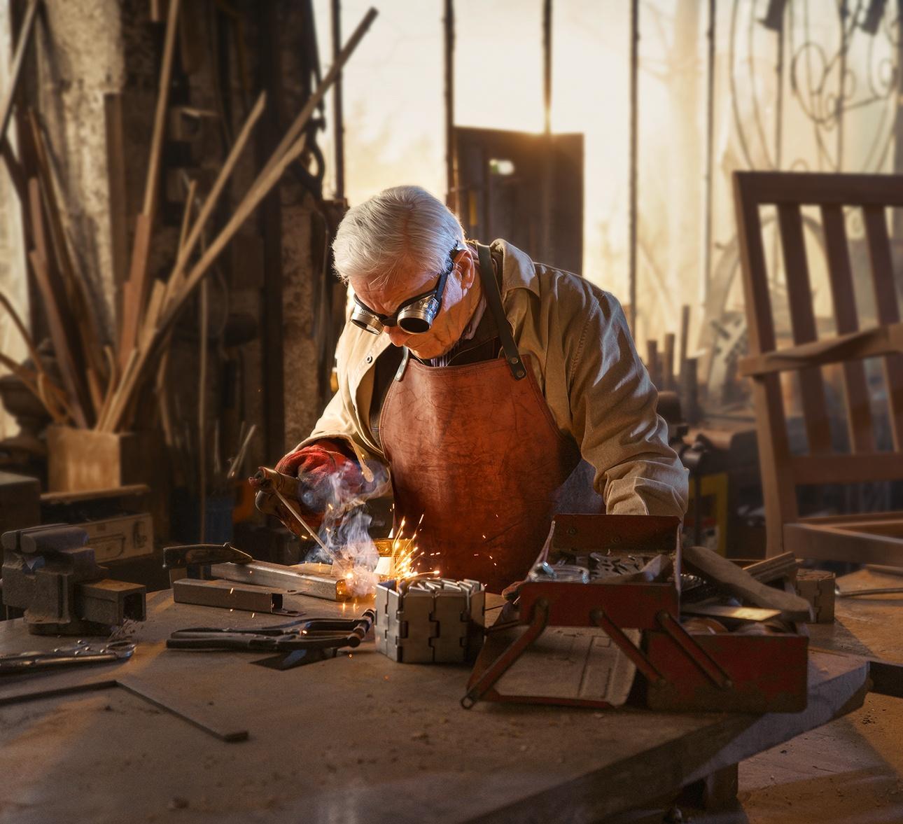 reportage autour d'un soudeur dans son atelier