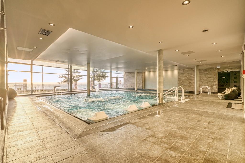 photo d'une piscine