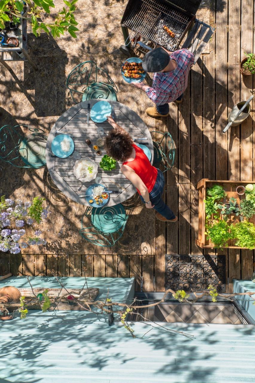photo lifestyle vue de dessus terrasse en été